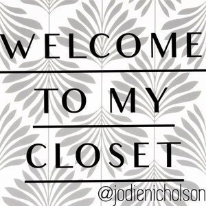 Welcome to my closet 👋🏻👋🏻😊❤️